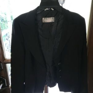Maxmara suit jacket with shell buttons